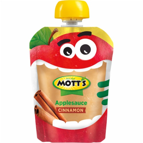 Mott's Cinnamon Applesauce Pouches Perspective: bottom