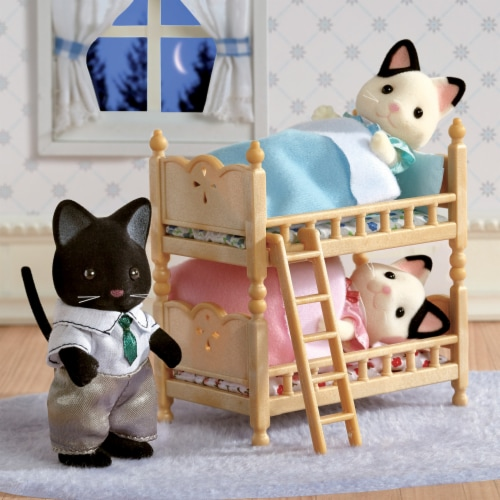 Calico Critters Tuxedo Cat Family Perspective: bottom