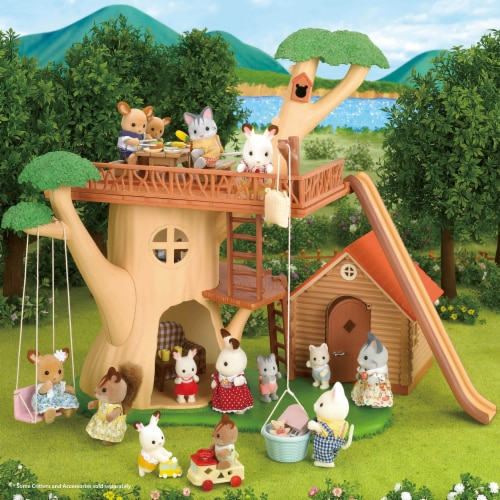 Calico Critters Adventure Treehouse Gift Set Perspective: bottom