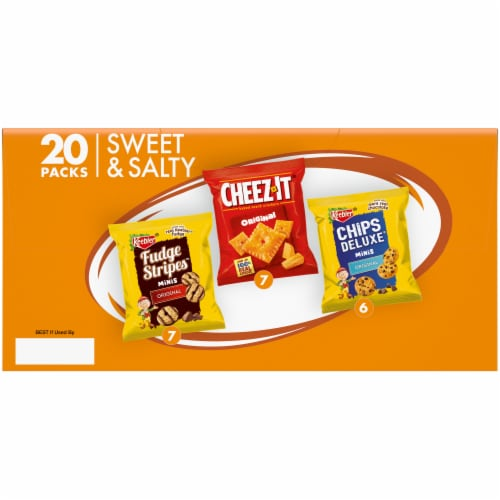 Keebler Mini Chips Deluxe Cheez-It Mini Fudge Stripe Variety Pack Perspective: bottom
