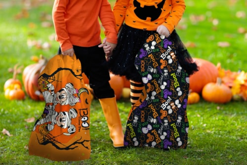 Jay Franco Mickey and Minnie Mouse Trick or Treat Pillowcase Perspective: bottom