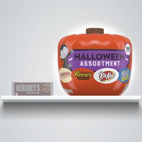 Hershey's Assorted Pumpkin Bowl Miniatures Candy Halloween Assortment Perspective: bottom