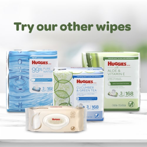 Huggies Natural Care Aloe & Vitamin E Baby Wipes Flip-Top Pack Perspective: bottom