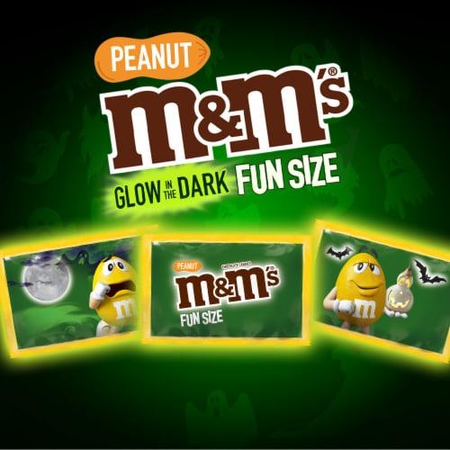 M&M'S Peanut Milk Chocolate Glow In The Dark Fun Size Halloween Trick or Treat Packs Perspective: bottom