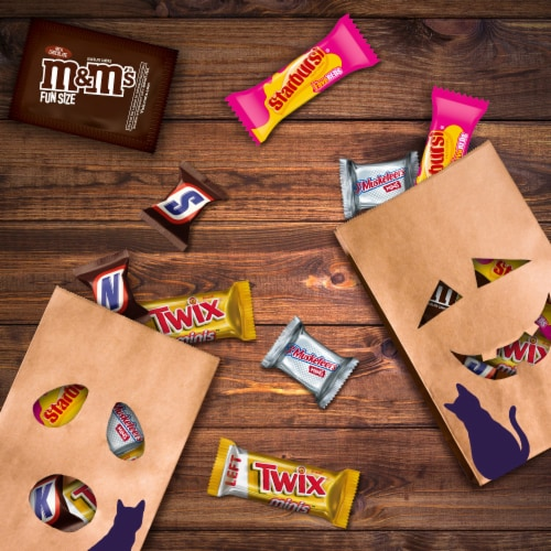 Mars Mixed Chocolate and Chewy Halloween Candy Variety Bag Perspective: bottom
