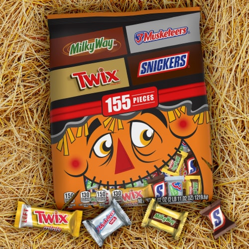 Mars Chocolate Halloween Candy Variety Bag Perspective: bottom