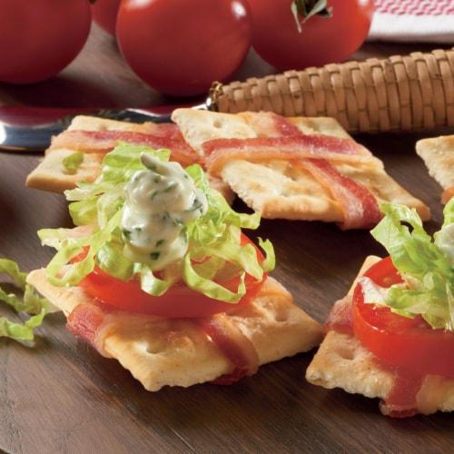 Premium Original Sea Salt Saltine Crackers Perspective: bottom
