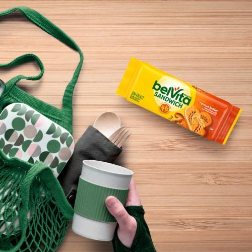 belVita Sandwich Peanut Butter Breakfast Biscuits Perspective: bottom
