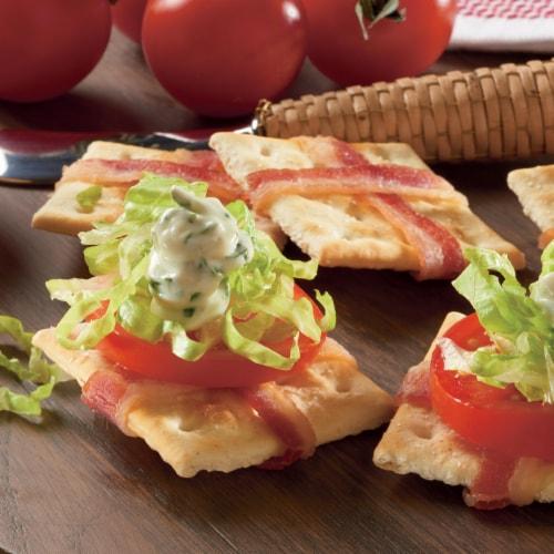 Premium Original Saltine Crackers Family Size Perspective: bottom