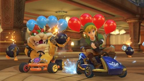 Mario Kart 8 Deluxe (Nintendo Switch) Perspective: bottom