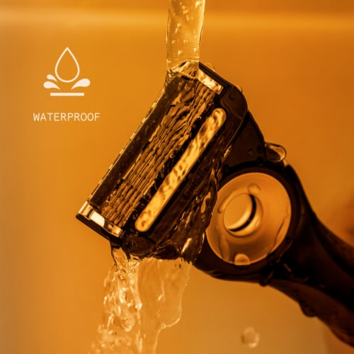 Gillette Labs™ Heated Shaving Razor for Men Perspective: bottom