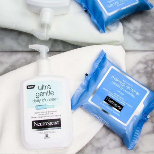 Neutrogena Makeup Remover Cleansing Towelettes & Face Wipes Perspective: bottom