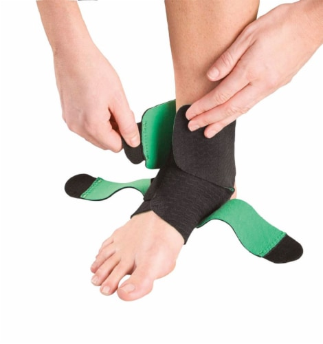 Mueller One Size Fits Most Adjustable Ankle Support Perspective: bottom