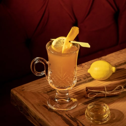 Aberfeldy 12 Year Highland Single Malt Scotch Whisky Perspective: bottom