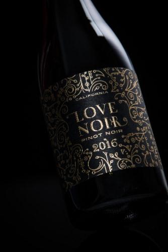 Love Noir Pinot Noir Red Wine Perspective: bottom