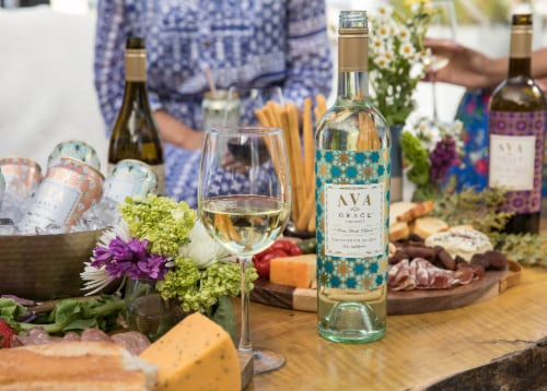 Ava Grace Sauvignon Blanc White Wine Perspective: bottom