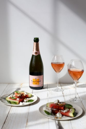 Veuve Clicquot Rose Champagne Perspective: bottom