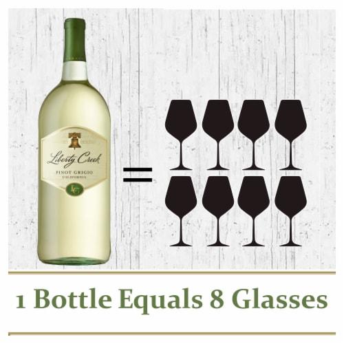 Liberty Creek Vineyards Pinot Grigio White Wine Perspective: bottom