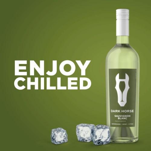 Dark Horse Sauvignon Blanc White Wine Perspective: bottom
