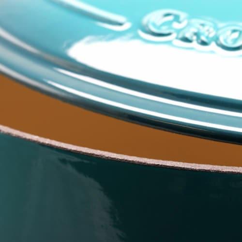 Gibson 7 qt Crock Pot Dutch Oven, Teal Perspective: bottom