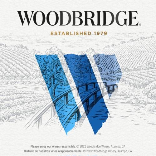 Woodbridge by Robert Mondavi Merlot Red Wine Perspective: bottom