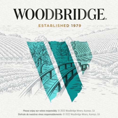 Woodbridge by Robert Mondavi Pinot Grigio White Wine Perspective: bottom