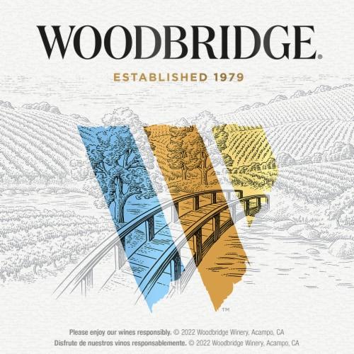 Woodbridge By Robert Mondavi Lightly Oaked Chardonnay White Wine Perspective: bottom