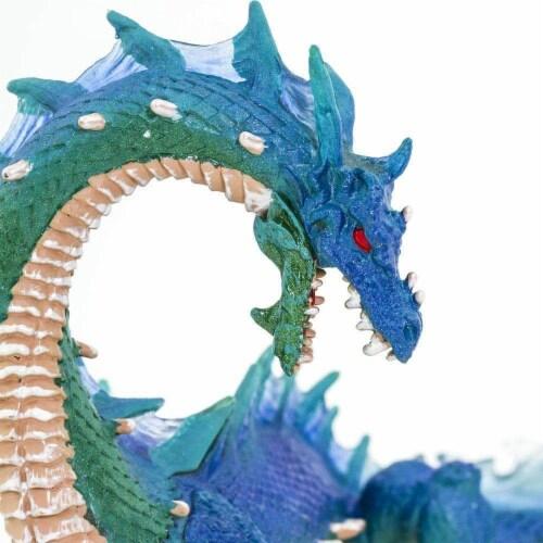 Sea Dragon Toy Perspective: bottom