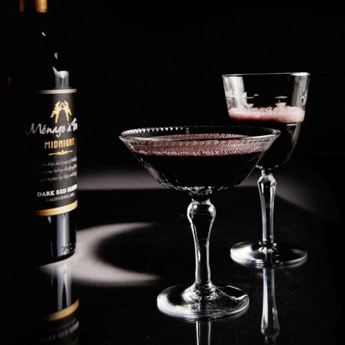 Menage a Trois Midnight Dark Red Wine Blend 750mL Wine Bottle Perspective: bottom