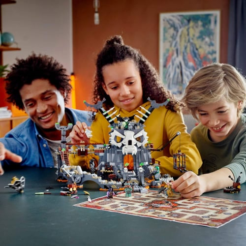LEGO 71722 NINJAGO Skull Sorcerers Dungeons Playset and Board Game (1171 Pieces) Perspective: bottom