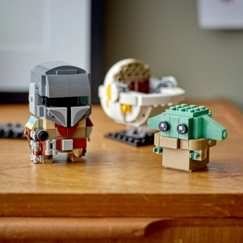 75317 LEGO® Star Wars The Mandalorian & the Child Building Set Perspective: bottom