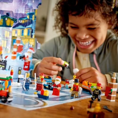 LEGO® City Advent Calendar Perspective: bottom