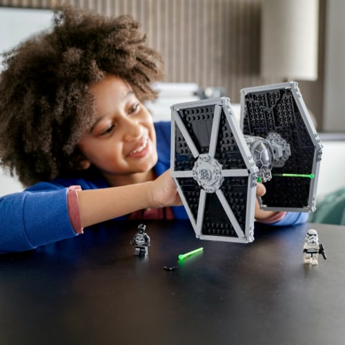 75300 LEGO® Disney Star Wars Imperial TIE Fighter Perspective: bottom