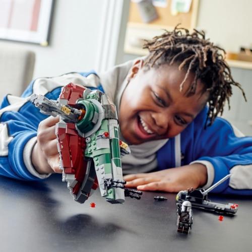 LEGO® Star Wars Boba Fett's Starship Building Set Perspective: bottom