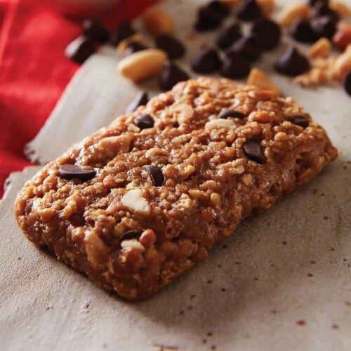 Clif Bar Chocolate Chip Peanut Crunch Energy Bars Perspective: bottom