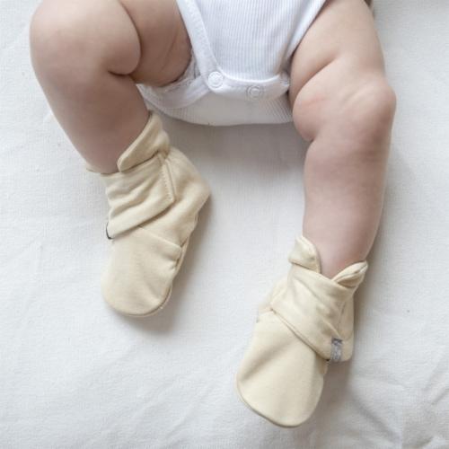 Goumikids Soft Organic Stay On Baby Mitt and Bootie Newborn Bundle, 0-3M Soybean Perspective: bottom