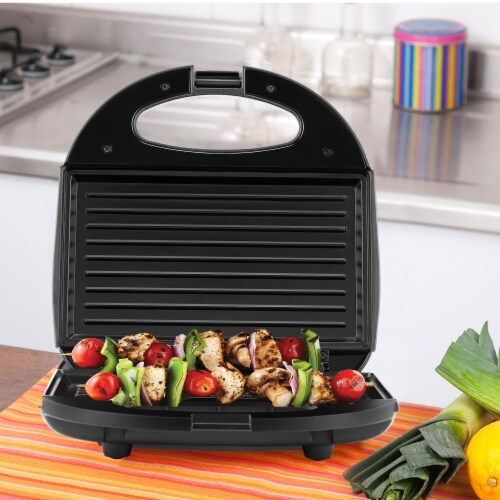 Continental 2-Serve Indoor Contact Grill and Sandwich Maker, Black Perspective: bottom
