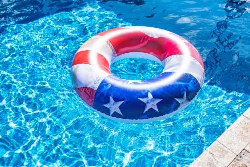 Pool Candy Jumbo Stars & Stripes Pool Tube Perspective: bottom