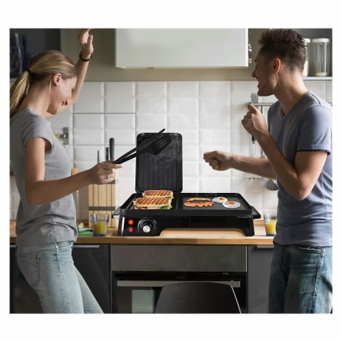 NutriChef Electric Griddle Crepe Hot Plate Cooktop with Press Grill for Paninis Perspective: bottom