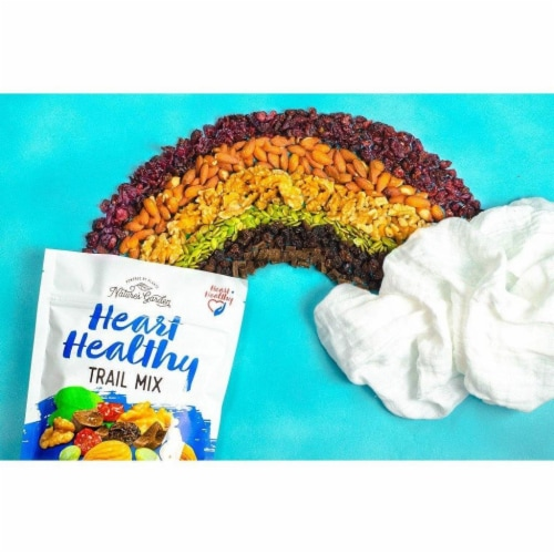 Nature's Garden Heart Healthy Trail Mix Perspective: bottom