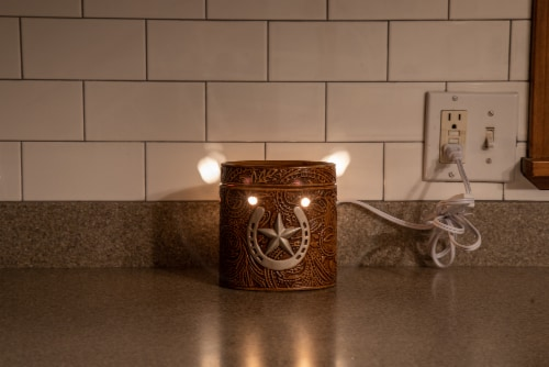 Scentsationals Home Fragrance Western Leather Emobossed Full-Size Wax Warmer with Light Bulb Perspective: bottom