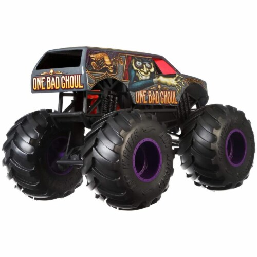 Mattel Hot Wheels® Monster Trucks One Bad Ghoul Vehicle Perspective: bottom