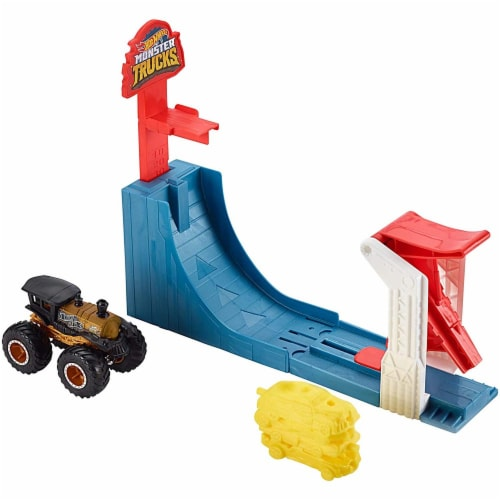 Mattel Hot Wheels® Monster Trucks Big Air Breakout Playset Perspective: bottom