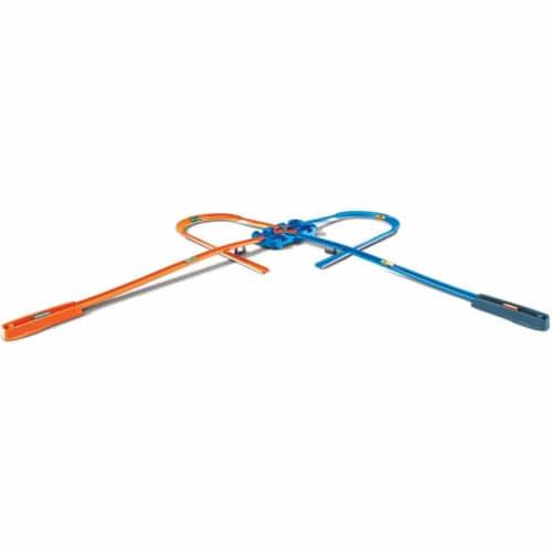 Mattel Hot Wheels® Track Builder Deluxe Stunt Box Track Set Perspective: bottom