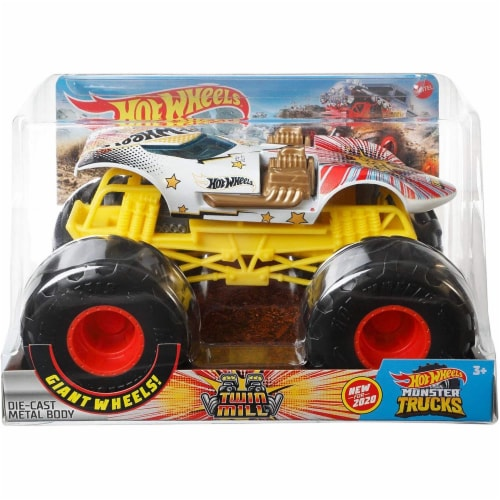 Mattel Hot Wheels® Monster Trucks Giant Wheels Twin Mill Vehicle Perspective: bottom