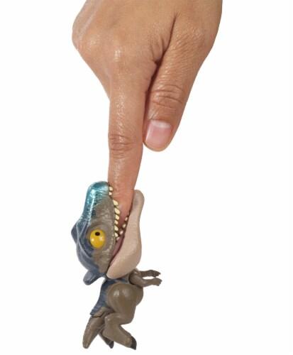 Mattel® Jurassic World Snap Squad Baryonyx DinosaurToy Perspective: bottom