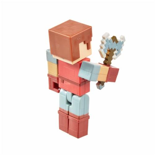 Mattel Minecraft Dungeons 325 Hal Figure Perspective: bottom