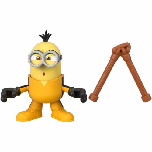 Fisher Price Despicable Me Minions: Rise of Gru Imaginext Kevin with Nunchucks Mini Figure Perspective: bottom