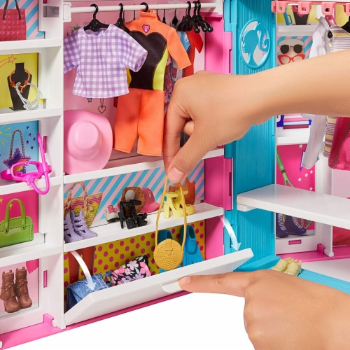 Barbie Dream Closet Fashion Wardrobe Storage with Clothes and Accessories, Pink Perspective: bottom