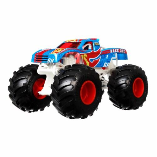 Mattel Hot Wheels® Monster Trucks Race Ace Vehicle Perspective: bottom